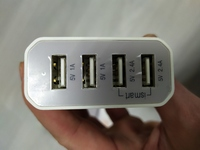 Многопортовое зарядное устройство (выход 4 USB, 5V 7.2A max) белый